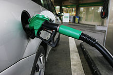 220px-Petrol_pump_mp3h0355
